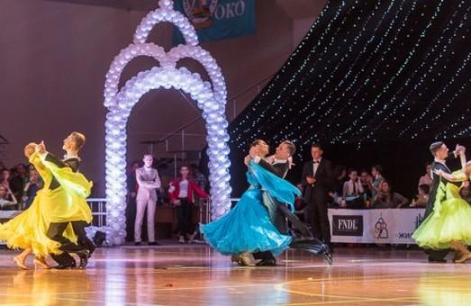 Бальні танцори встановили рекорд у Харкові