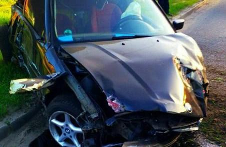 П'яний водій BMW двічі врізався у перешкоду