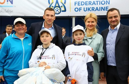 Світлична, Павелко та Шевченко зустрілися з учасниками «Відкритих уроків футболу»