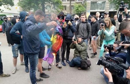 Хлопці, які били ЛГБТ-шників та поліцейських, раніше були судимі за крадіжки - поліція