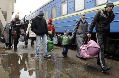 Четверо з Донецька «познайомилися» з новим сусідом: відібрали у нього все, що знайшли