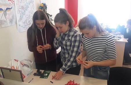 Харківська «Солідарність» провела акцію до Всесвітнього Дня пам'яті людей, померлих від СНІДу