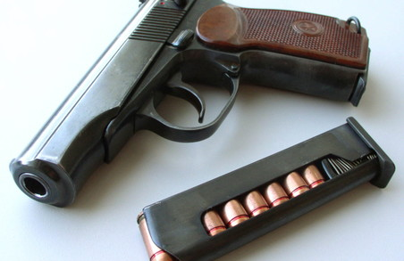 Таксист продавав пасажирам пістолети «Макарова»