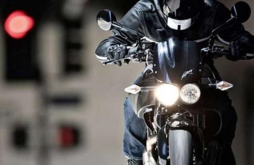 Мотоциклістам цілодобово заборонено їздити деякими центральними вулицями Харкова
