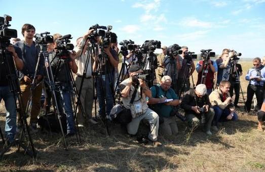 Журналісти корисні  для розвитку нашої країни - Світлична
