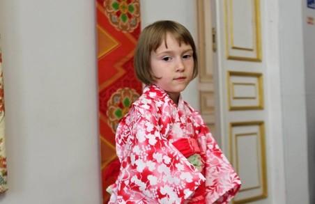 Вбрання як мистецтво: в Харкові відкрилася унікальна виставка японських кімоно