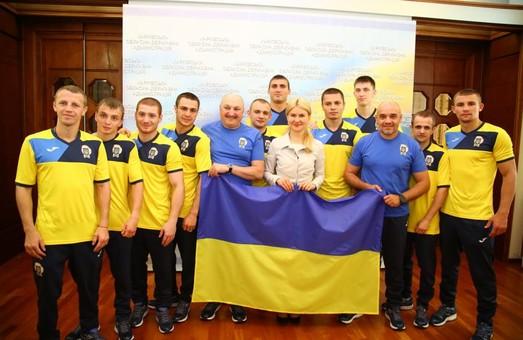 Світлична побажала українським боксерам витримки, терпіння і перемоги