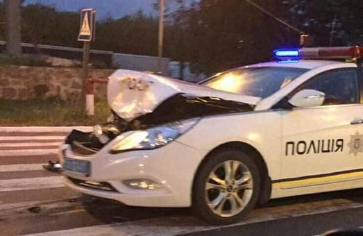 Розбитий черговий патрульний автомобіль, один поліцейський загинув, легковик протаранив маршрутку: ДТП у Харкові за добу