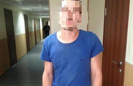 У Харкові патрульні затримали чоловіка, який вкрав 17 кілограмів сиру