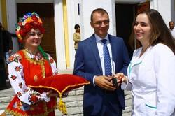 Депутати від «Солідарності» передали сільським амбулаторіям шість автомобілів