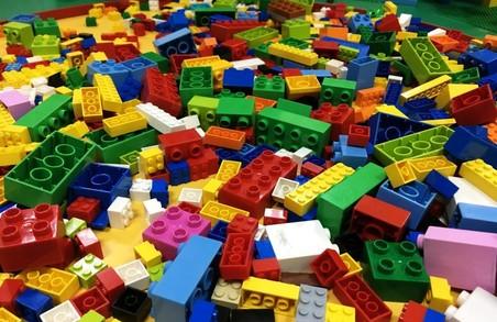 Методики LEGO інтегрують у початкову школу