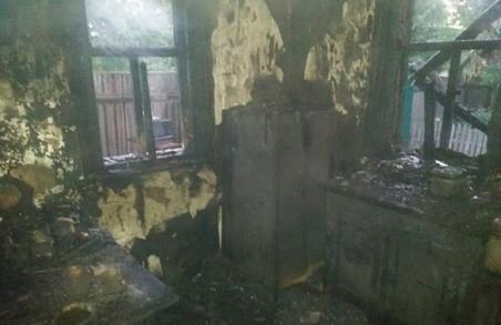 Курець спалив себе у літній кухні