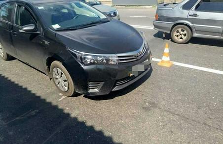 Поліцейські затримали зухвалого автокрадія, Toyota збила дівчину, Hyundai – велосипедиста: ДТП у Харькові за добу