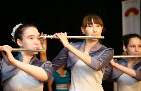 Юні музиканти і художники отримали обласні стипендії від Світличної
