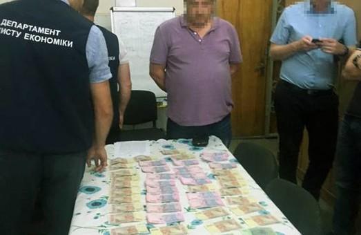 Поліція затримала доцента-хабарника