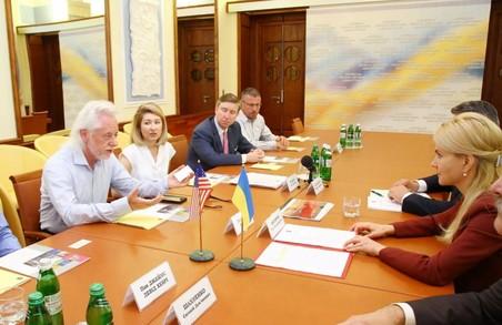 Представники американських компаній обговорили зі Світличною можливість інвестування у газовидобування на Харківщині