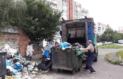 Кабмін з губернатором розпочали виконувати план спасіння Львова від сміття/ Відео
