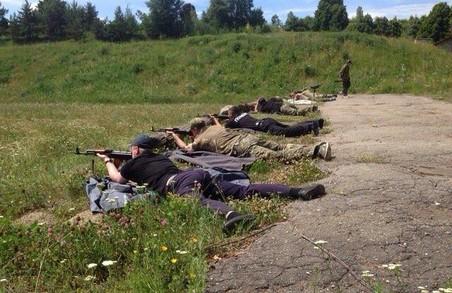 """«Східний корпус» """"перестріляв"""" інших поліцейських з """"калашів"""" та """"макарових"""""""
