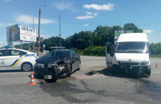 Автоледі за кермом, збитий пішоход і хабар, від якого відмовилися: ДТП у Харкові за добу