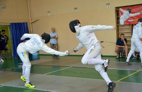 Хлопці зі шпагами: харків'яни перемогли на чемпіонаті України