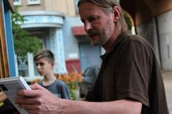 «Книжкова клюмба» продовжує привертати читачів (ФОТО)