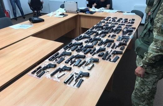 Харківська СБУ ліквідувала потужний канал контрабанди вогнепальної зброї (ФОТО, ВІДЕО)
