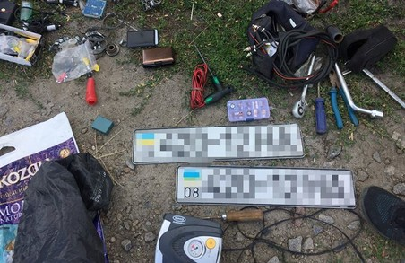 Знайдено відразу 13 крадених автівок/ Фото