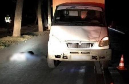 У Харкові під колесами «Газелі» загинула жінка, постраждав трирічний хлопчик: ДТП у Харькові