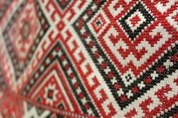 «Жива традиція»: в Харкові триває виставка української вишивки