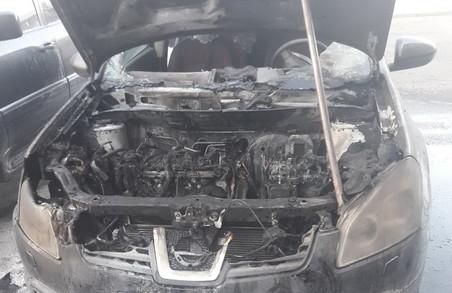 На Культури згорів Nissan/ Фото