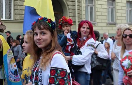 В Харкові відбувся парад вишиванок/ Фоторепортаж