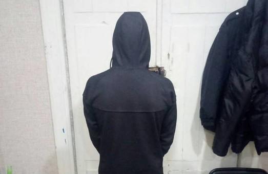 Хлопець з села займався вуличними грабежами у Московському районі