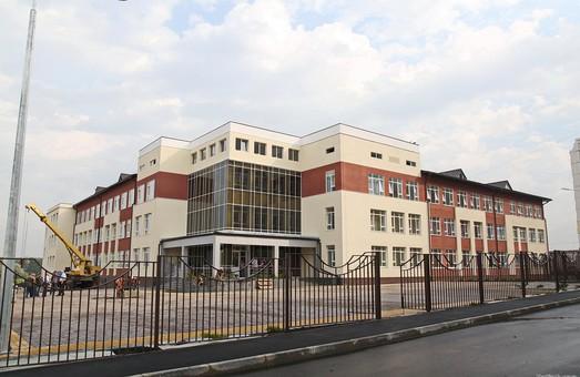 Президент відкрив школу у Пісочині/ Відео, Доповнюється