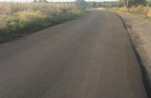 По районах Харківщини ремонтують найбільш зруйновані ділянки місцевих доріг
