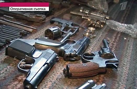 Копи відловлюють по вокзалах пасажирів з ножами та гранатами