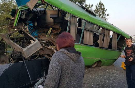 ДТП під Харковом - постраждало 10 дітей