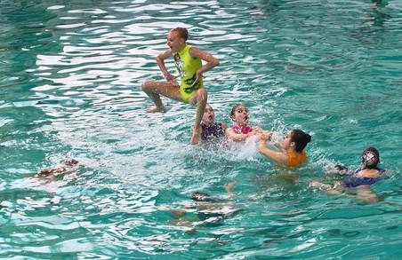Збірна України з артистичного плавання завоювала чотири золоті та одну срібну медаль заключного етапу Світової серії