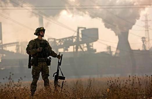 Росія - агресор. Замість штабу АТО командування переходить до військових