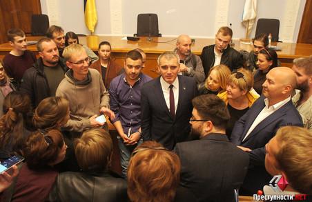 Гучний скандал в Миколаєві: міськрада оголосила імпічмент меру / ВІДЕО