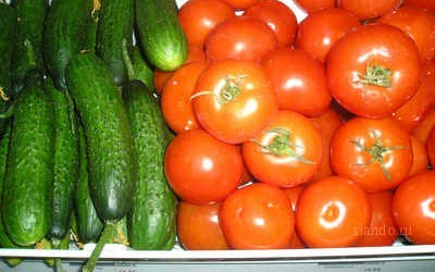 Тепличні огірки та помідори значно подорожчали