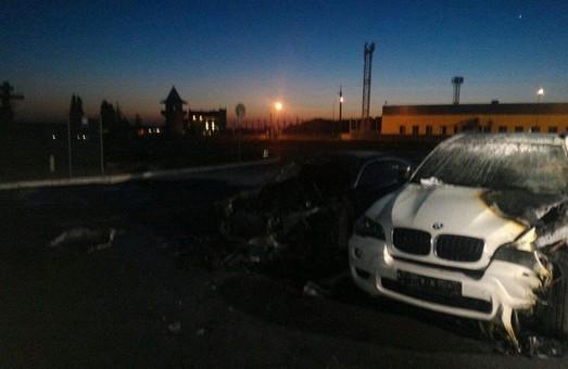 Один з БМВ, підпалених на Латишева, належав колишньому обласному прокурору - ЗМІ