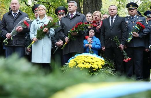 Вітаю всіх захисників України усіх поколінь. Ви – щит, який обороняє мирну Україну - Світлична / Доповнено, фото