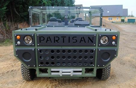Partisan Оnе. Непривабливий по дизайну, але дуже зручний німецький військовий джип