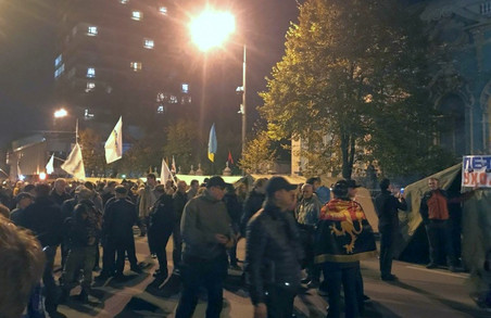 У Києві постраждали четверо людей внаслідок сутичок біля Верховної Ради