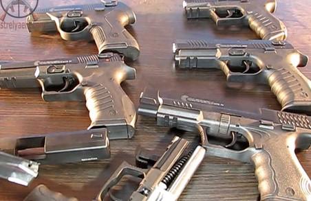 Харків'яни переробляли найдешевші стартові пістолети на бойові та відправляли їх терористам на Донбас