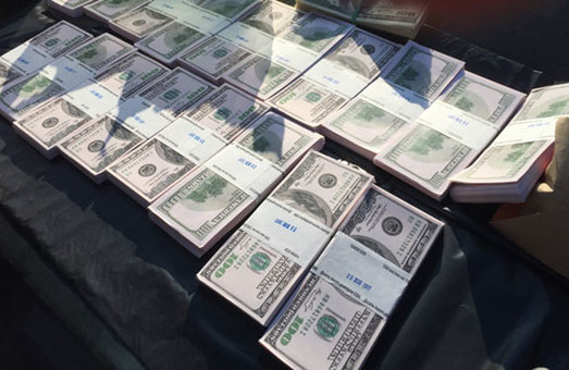 Борці з корупцією виявилися вимагачами / Відео, Фото