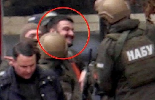"""«Справа рюкзаків». Син Авакова в ІТЗ. """"Бімбу"""" не знайшли. МВС спростувало заяви нардепа"""