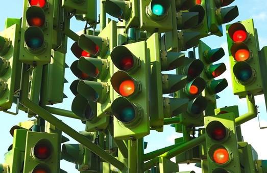 У Харкові відповідним службам доручили терміново відрегулювати світлофори