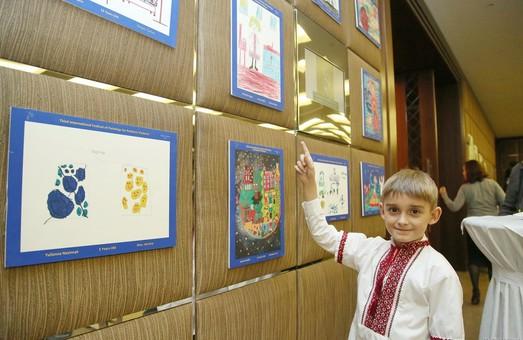 Арт-терапевти нагородили талановитих дітей України