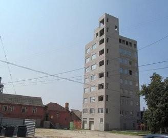 Одоробло №2: у Харкові знесуть «гараж» височиною в дев'ять поверхів